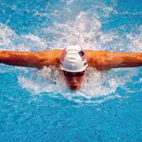 image: Michael Phelps Sets Worl…